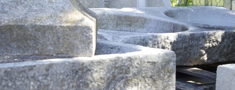 Piques de pedra antigues